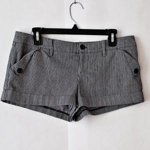 Gray white by twenty one short shorts size Large